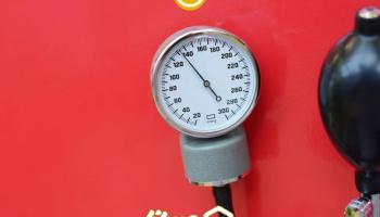 ویدئو: طرز تهیه اسموتی با مواد طبیعی برای درمان فشار خون بالا